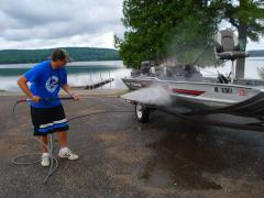 portable boat wash unit to stop aquatic hitchhikers